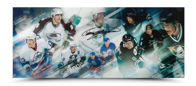 teemu-selanne-autographed-finnish-flash-photo-84999