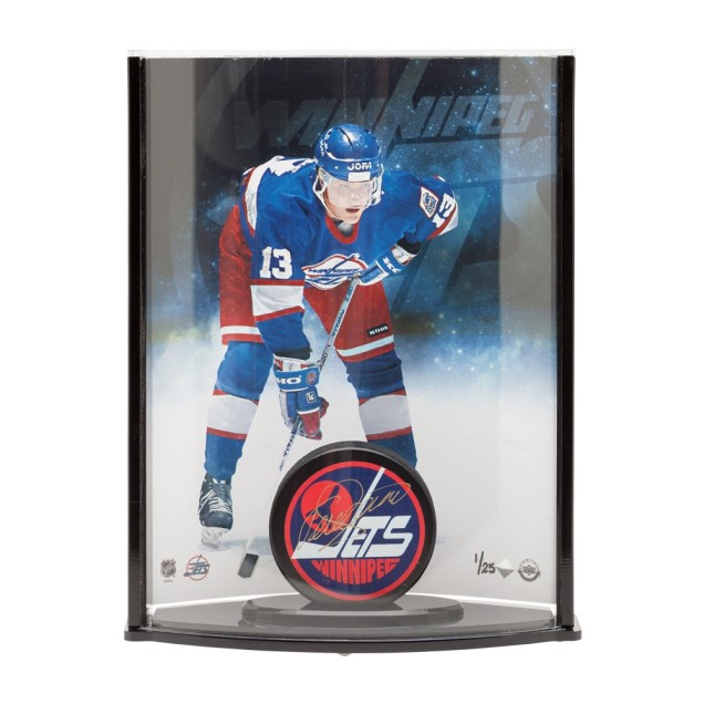 teemu-selanne-autographed-winnipeg-puck-curve-display-85141