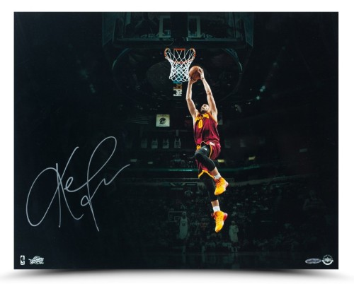 Upper-Deck-Authenticated-Exclusive-Signed-Autograph-Memorabilia-Kevin-Love-Cleveland-Cavaliers-Arena-Photo