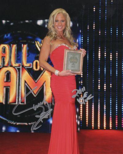 Sunny-WWE_hall