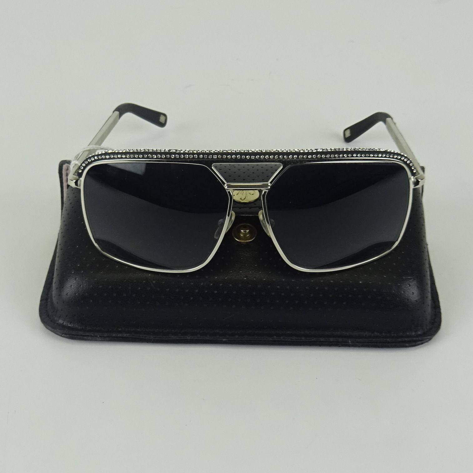 13f61489544 kim-kardashian-ebay-glasses – BlowoutBuzz.com