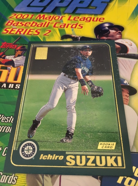Ichiro-Suzuki-2001-Topps-Rookie-Card-front