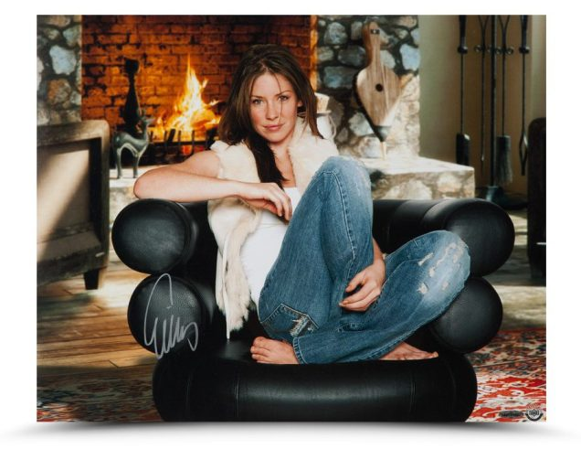 evangeline-lilly-autographed-cool-comfy-85751