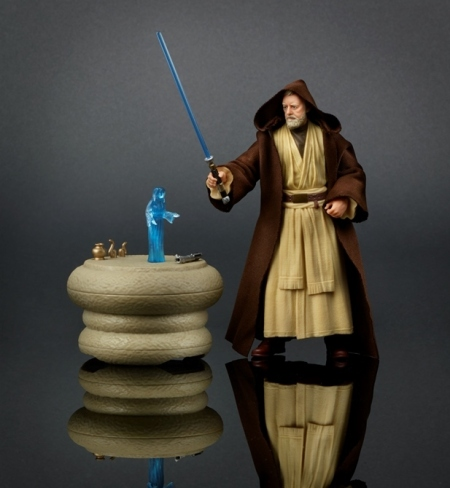 Recreate the noble journey of the great Jedi Master with the highly collectible Obi-Wan Kenobi Pack. Featuring authentic, movie-accurate detail, this elite 6-inch scale Obi-Wan Kenobi figure comes equipped with Jedi robe, 2 lightsabers, an electronic light-up table, and Princess Leia hologram delivering a vital message.