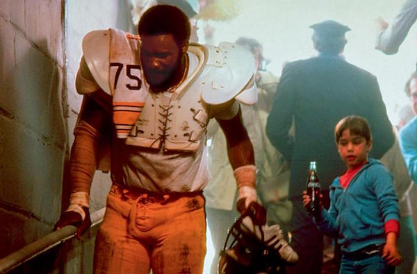 watch db1cb 0b562 Mean' Joe Greene & Coca-Cola kid to sign for collectors in ...